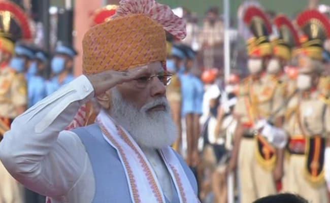 Independence Day 2021: &Quot;गर्व के साथ हेलमेट पर लगाया तिरंगा&Quot; नरेंद्र मोदी, सचिन समेत अक्षय कुमार ने दी बधाई