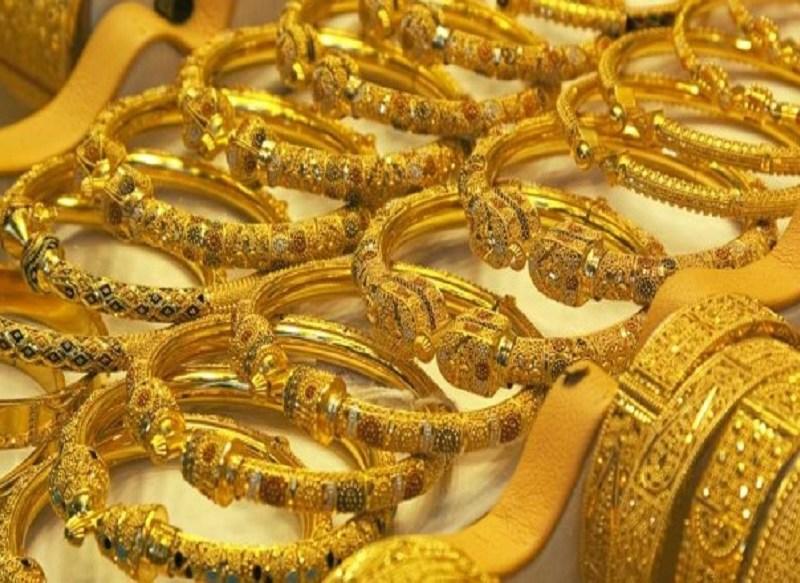 Gold Price: सोने की कीमत में आई आज तीसरे दिन गिरावट, अब मात्र इतने में मिल रहा है 1 तोला गोल्ड, जानिए नई कीमत