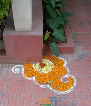 Diwali rangoli design carner of pillar