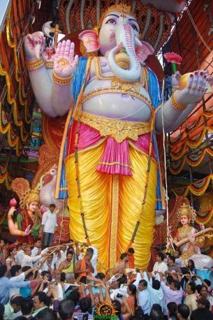 Trishaktimaya Moksha Ganapathi Khairatabad Ganesha 2015 4