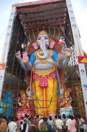 Trishaktimaya Moksha Ganapathi Khairatabad Ganesha 2015 6