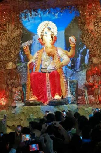 Lalbaugcha Raja 2018 first look darshan no-watermark