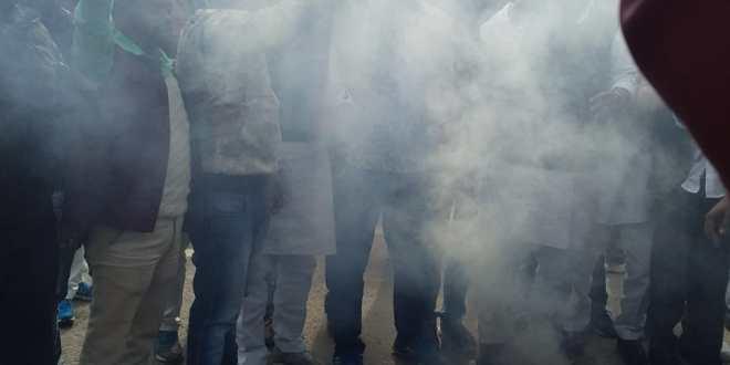 सपा कार्यकर्ताओं में भारी रोष,मुख्यमंत्री योगी के प्रतीक पुतले को फूका