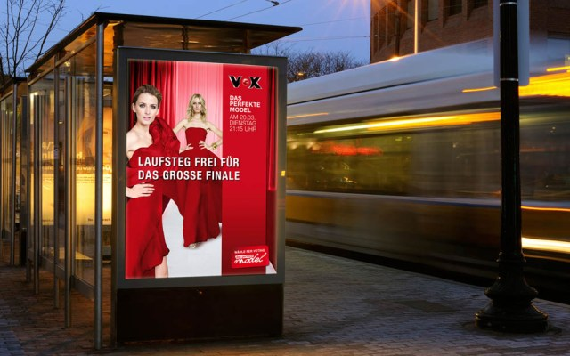 Bushaltestellen-Plakat Vox Das Perfekte Model