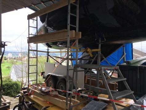 Ein Gerüst als Arbeitsbühne und Zugang zur AVA.