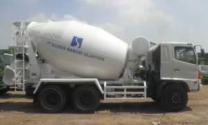 Hino-Fm-260-jm-truk-mixer-7-kubik-300x180