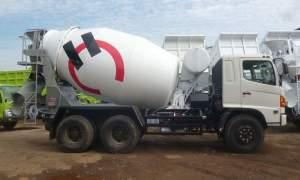 Hino-fm-260-jm-truk-mixer-300x180