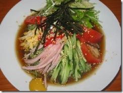 クロレラ入りグリーン麺の冷やし中華