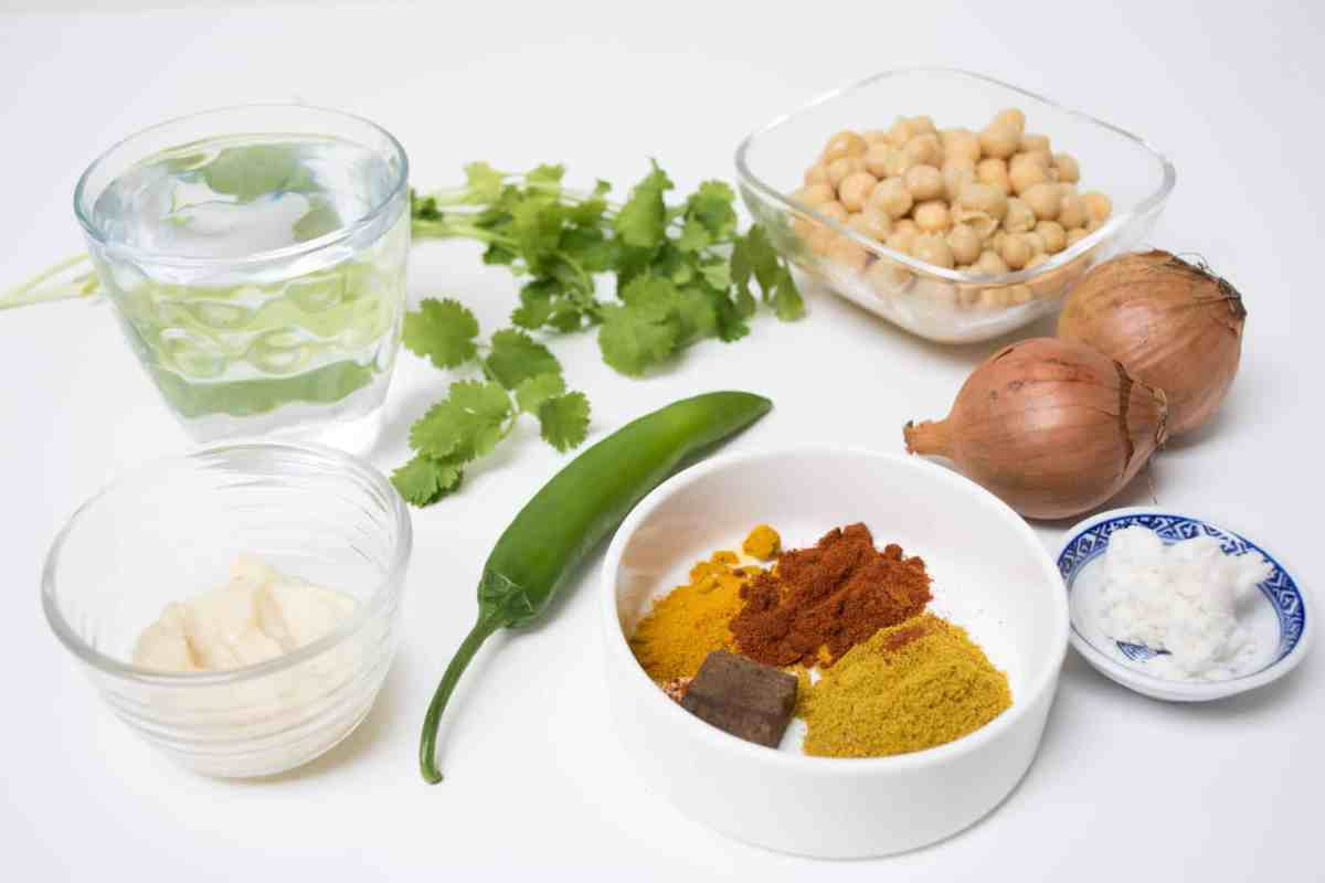 Fragrant Chickpea Curry | Hint of Helen