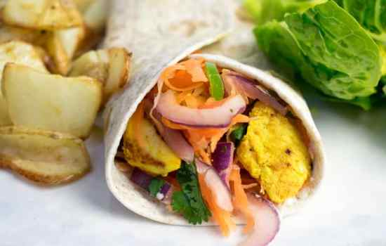 Healthy Spiced Chicken & Salad Wrap