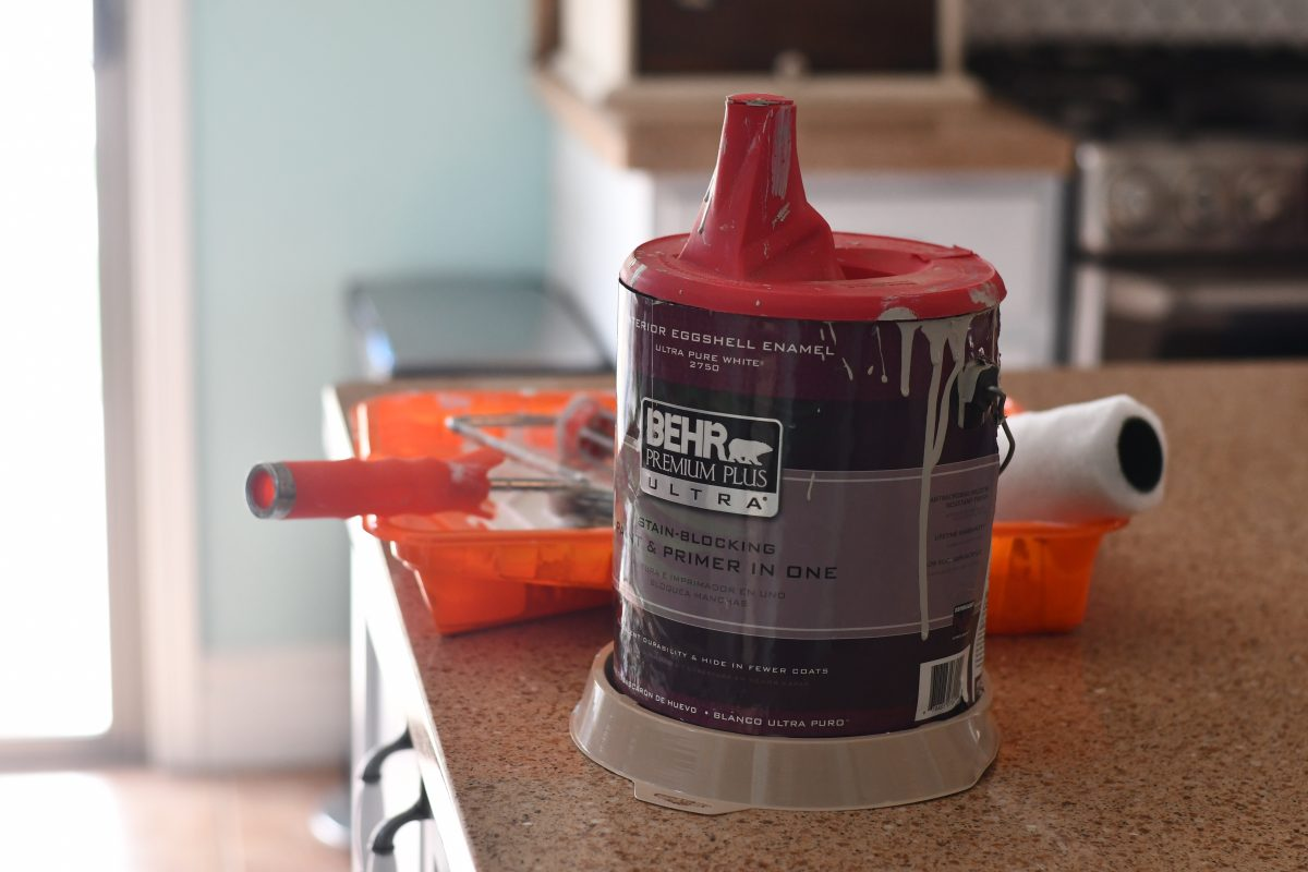 drip cover for an open paint can