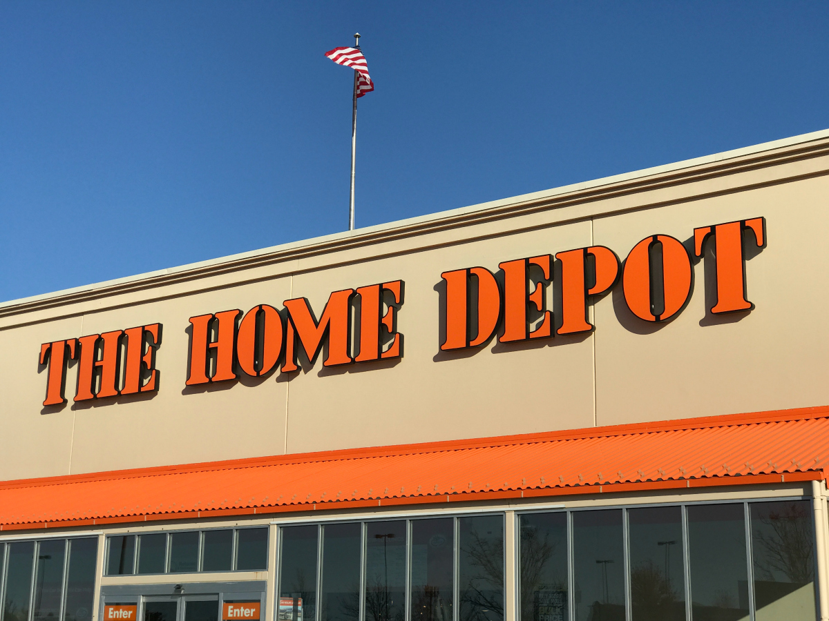 Home & Garden Shopping Tips to Save at The Home Depot