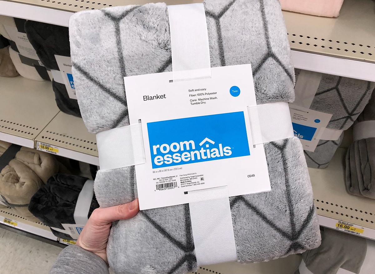 target decor - faux mink geometric design blanket