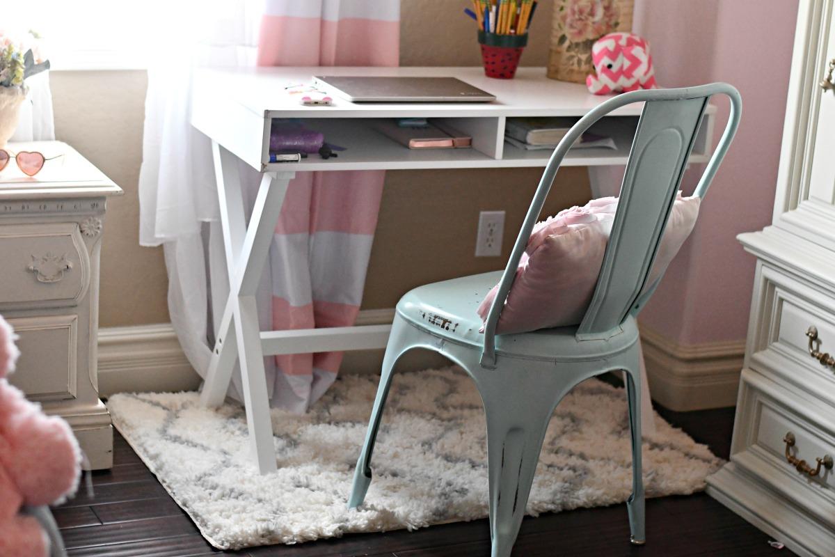 white computer desk and farmhouse chair