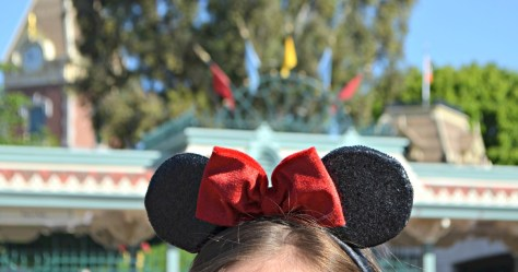 mickey mouse bow disney world