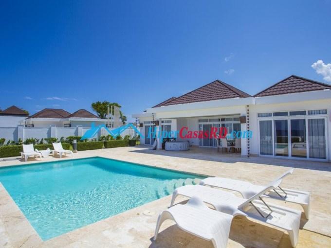 Villa de venta frente al mar en Sosua