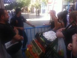 La Policía no dejaba entrar a un repartidor