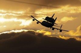 shuttle-discovery-piggyback-flight-outline