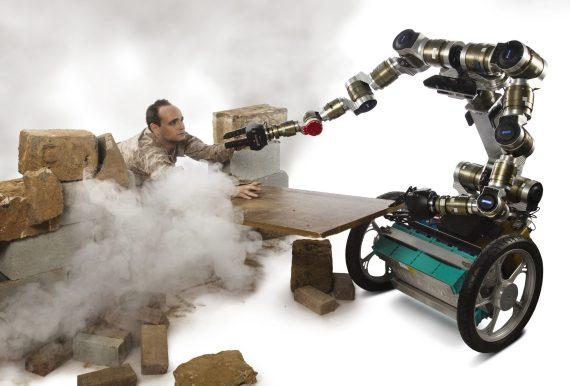 Robot MacGyver (2)