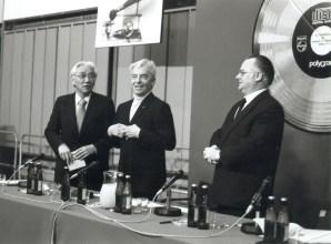 Karajan en la presentación del CD