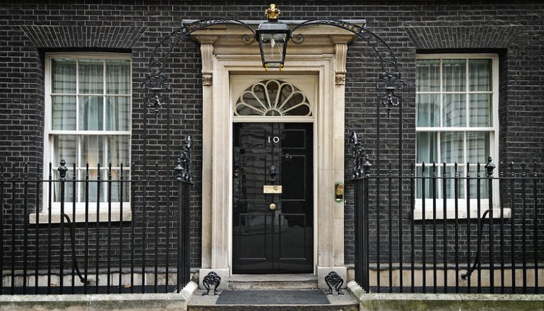 10 downing street- Reino Unido despido funcionarios uso redes sociales en el trabajo