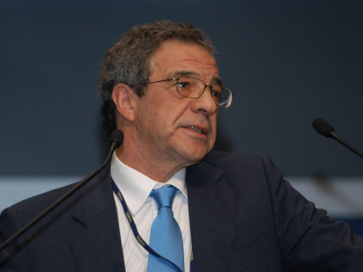 César Alierta advierte sobre el peligro de los duopolios en los sistemas operativos
