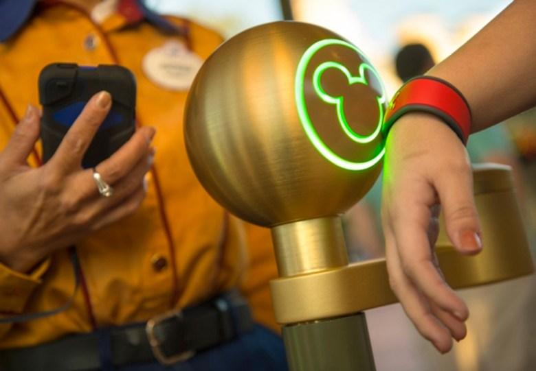 Disney vuelve más amigable su ingreso al parque usando un iPod Touch 2