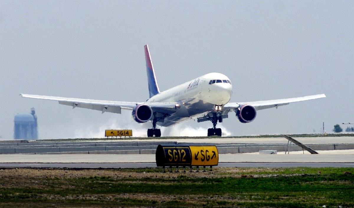 Dron sobrevuela el aeropuerto JFK, el FBI investiga el caso