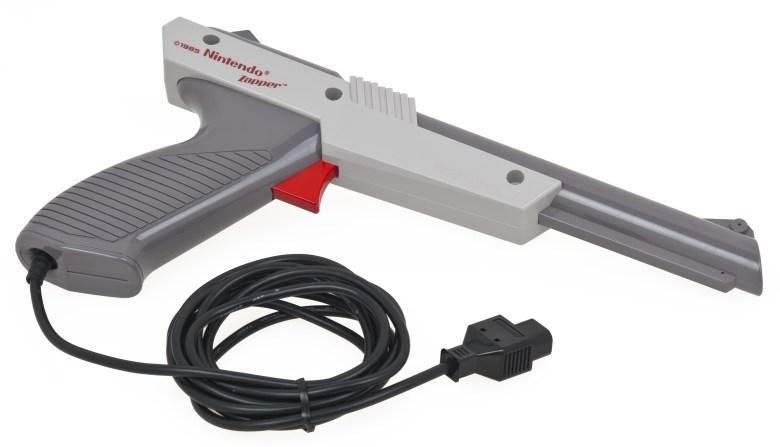 NES Zapper - Historia de la Tecnología: 30º aniversario de la NES