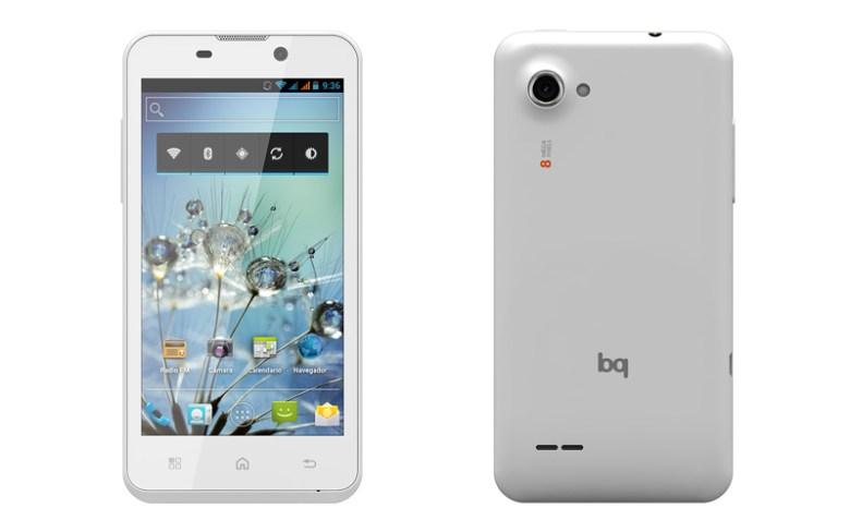 bq Aquaris 4.5, el primer smartphone de bq. Abril de 2013.