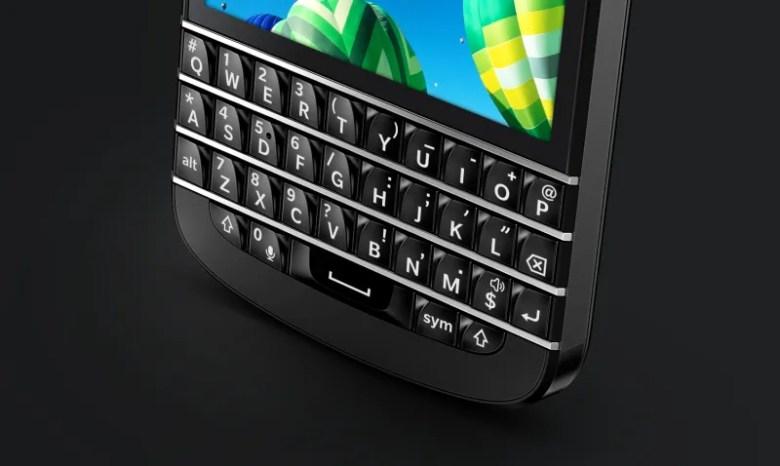 q10-keyboard-up-close