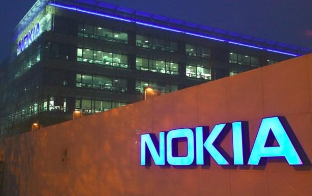 Nokia, ahora en propiedad de MIcrosoft, es la víctima más representativa de esta nueva era de los smartphones.