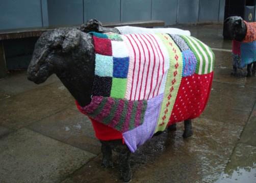 8-yarn-bomb-sheep1