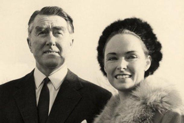 Paddy Roy Bates (Príncipe Roy) y su esposa Joan. <a href=