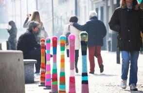 Yarn-Bombing-Public-Spaces-5