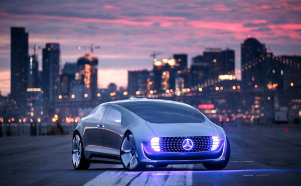 Vehículo autónomo, ciudades del futuro - Mercedes Benz.