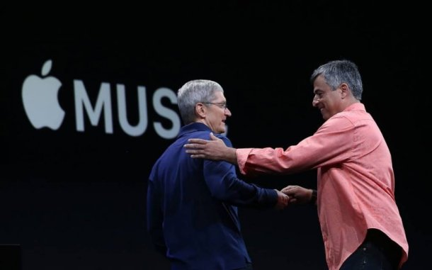 Tim Cook y Eddy Cue en la pasada presentación de  Apple Music.
