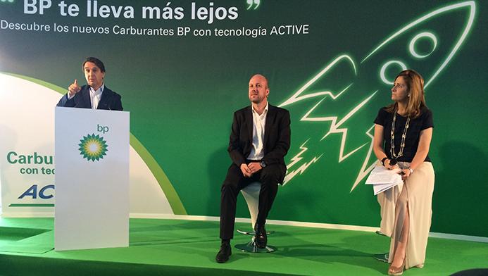 Responsables de BP España durante el lanzamiento de sus nuevos carburantes ACTIVE