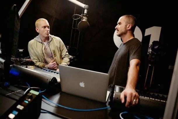 Zane Lowe entrevistando a Eminem en su primer programa en Beats 1