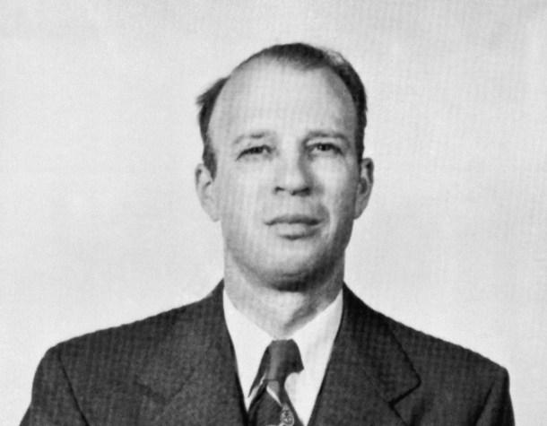 Doctor Frank R. Olson, el bioquímico que la CIA drogó con LSD y que provocó su suicidio. (Fotografía de AP. <a href=