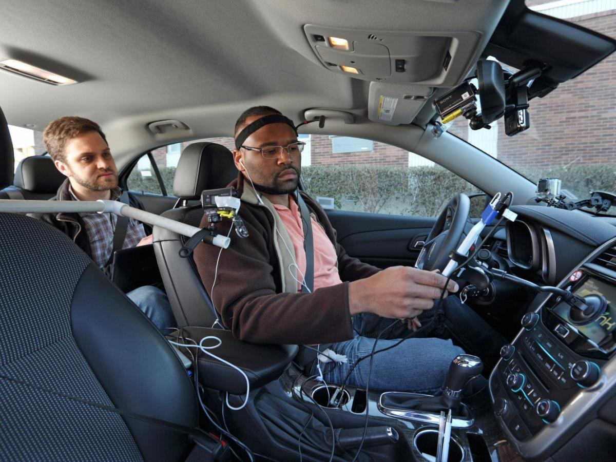 asistentes de voz en coches
