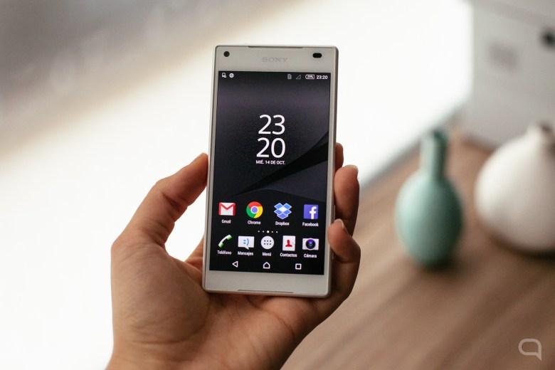 Sony Xperia Z5 Compact-18