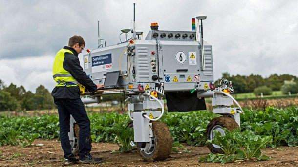 Bonirob, uno de los robots de cuidado de cultivos de la empresa alemana de robótica agropecuaria Amazone.