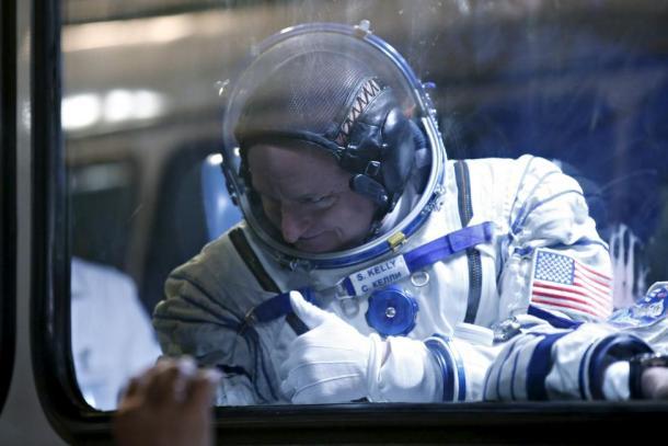 El astronauta Scott Kelly en el Cosmódromo de Baikonur. Reuters | Maxim Zmeyev