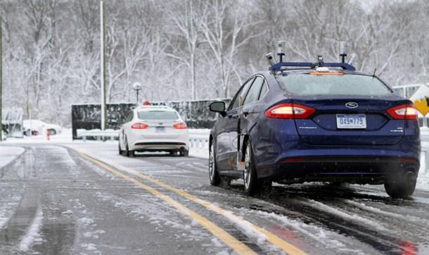 Modelos autónomos de Ford probados en condiciones de nieve.