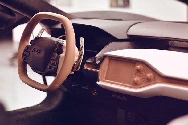 Detalles del interior del Ford GT modelado a mano con arcilla.