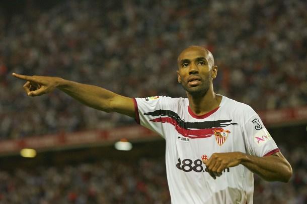 El Sevilla, patrocinado por 888 entre 2006 y 2009. Más tarde también sería patrocinado por 12bet e Interapuestas.