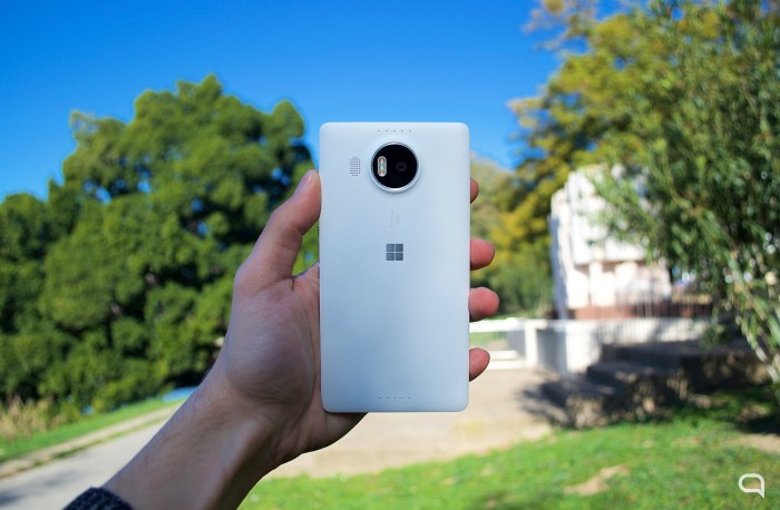 Microsoft Lumia 950 XL 12