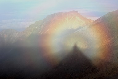 Brocken_spectres_in_Mount_Ontake