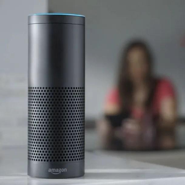 Amazon Echo, el exitoso e inteligente altavoz del minorista online.